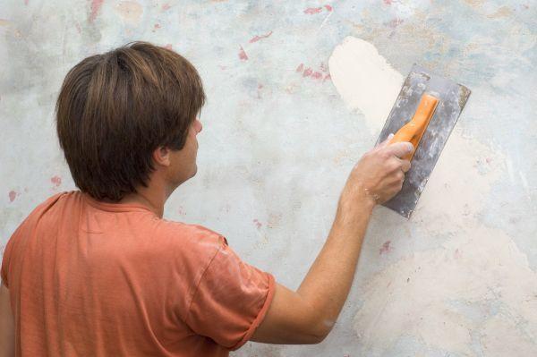 zadělávání díry ve zdi