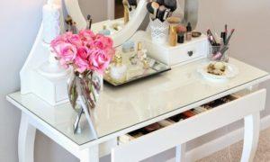 Toaletní stolek: Nezbytná součást pokoje každé moderní ženy