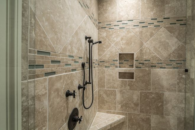 sprchový kout mramor