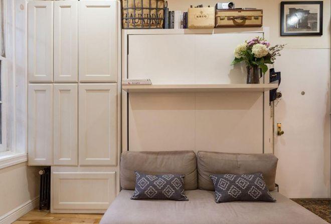 Malý byt, kde se spí na pohovce