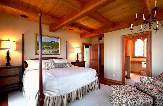 ložnice manželská postel s nebesy