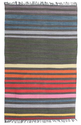 koberec barevné pruhy